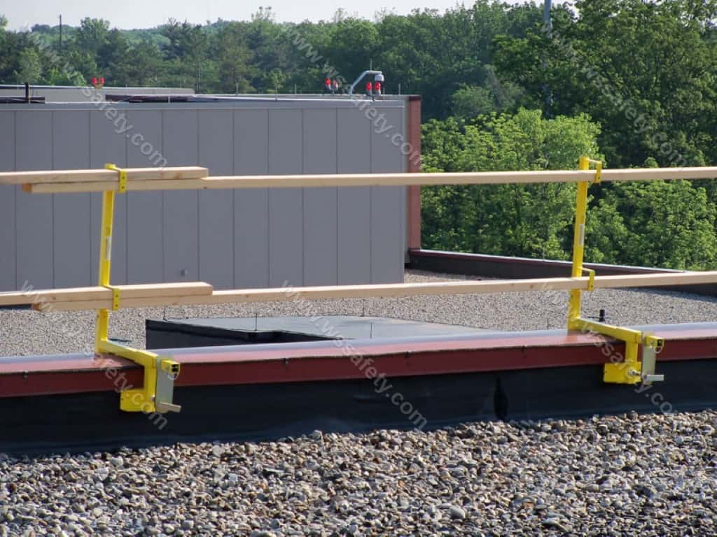 Portable Guardrail Systems : A temporary guardrail the versa clamp and para