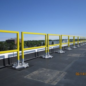 SafetyRail 2000FG - Fiberglass - Portable Roof Guardrails