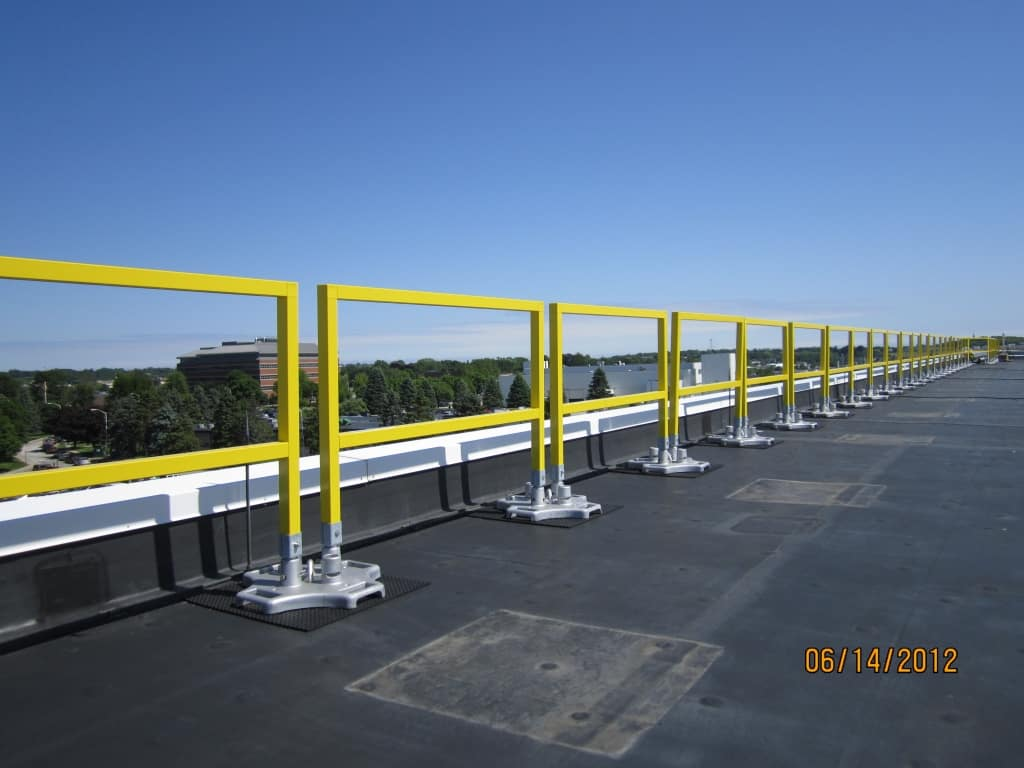 Portable Safety Rail : Safetyrail fg fiberglass roof guardrails w s safety