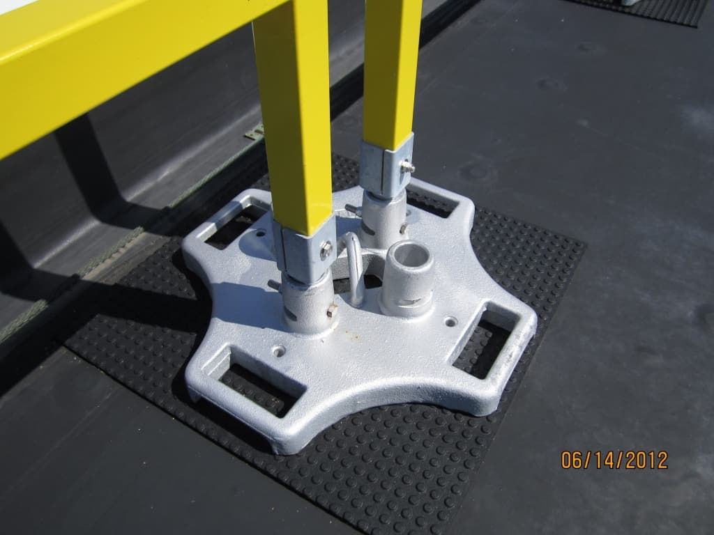 SafetyRail 2000FG - Fiberglass - Portable Roof Guardrails